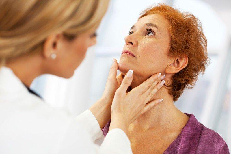 papillary thyroid cancer neck pain cancer de utero endometrial